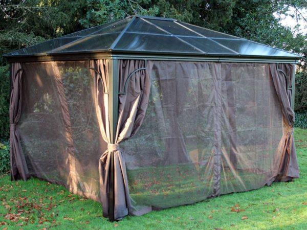 Karoo Solid Roof Gazebo Square 3m x 3m mosquito nets closed 2